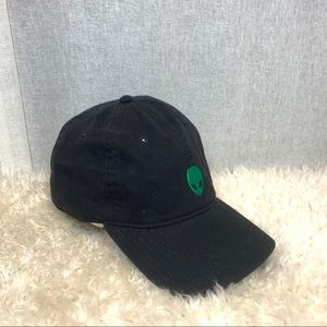 BLACK ALIEN EMBROIDERED BASEBALL HAT